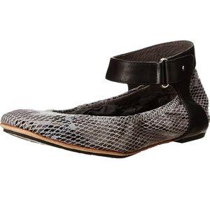 TSOBU Hedi Snake Ballet Flat